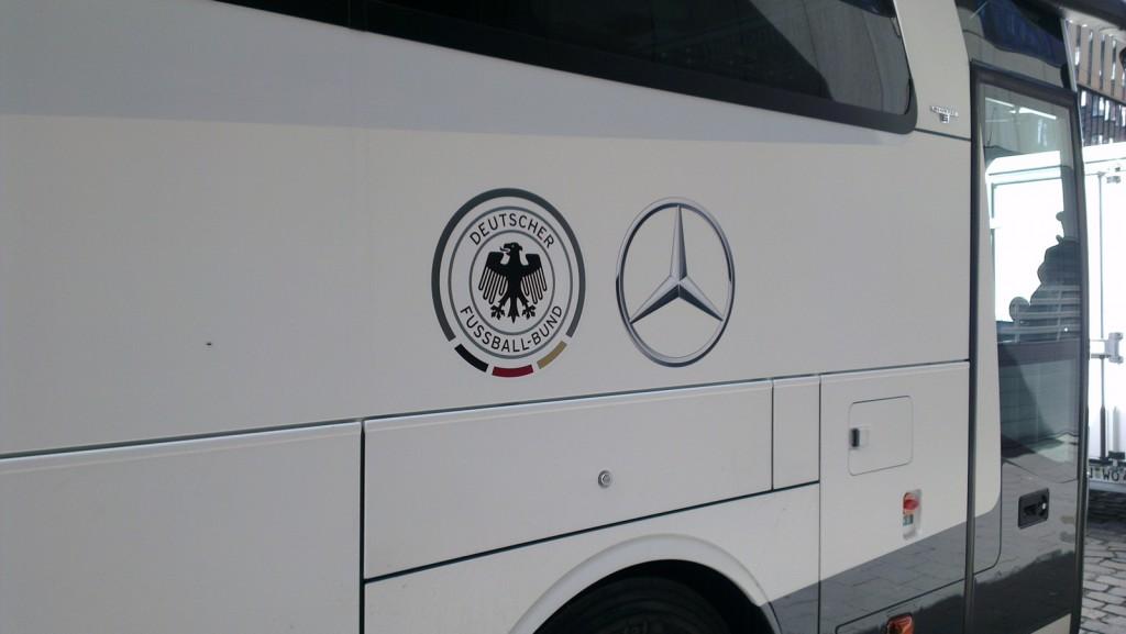 xovilichter-in-hamburg-deutscher-fussball-bund